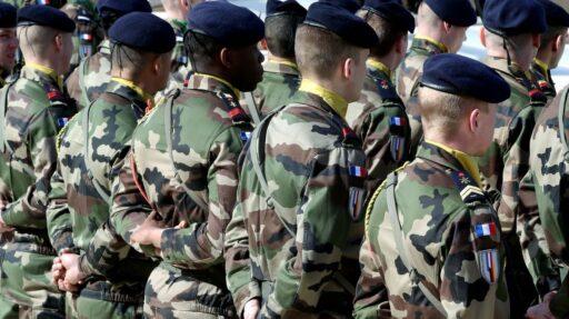 La tribune des généraux, l'armée et la Cinquième République