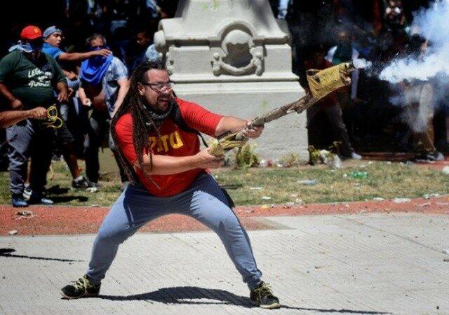 Élections en Argentine : le gouvernement mis en échec, les défis sont immenses