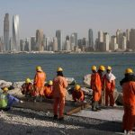 Crise pétrolière et Covid-19 dans les États du Golfe : les travailleurs migrants dans l'étau