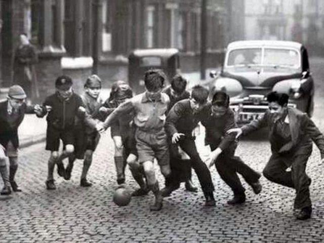 À lire un extrait de Une Histoire populaire du football, de M. Correia